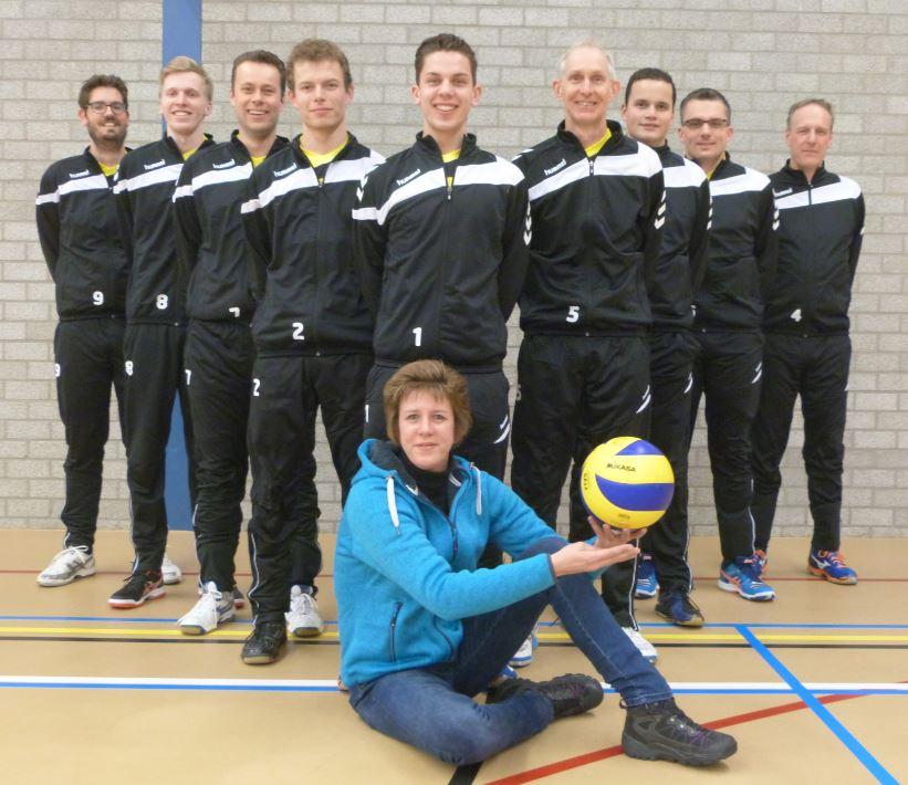 Sport- en Dierenshop Woudenberg verlengt sponsorcontract met Volleybalvereniging Woudenberg
