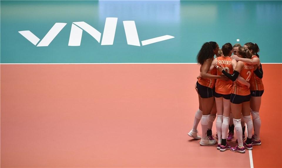 Volleybaldames spelen Volleyball Nations League in Apeldoorn!